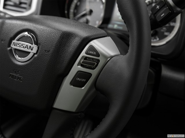 Steering Wheel Controls (Right Side)